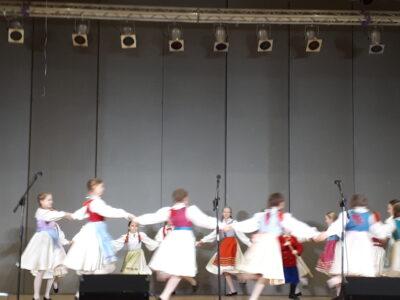 Rybki i Delfinki na Koncercie Andrzejkowym Lubuskiego Zespołu Pieśni i Tańca